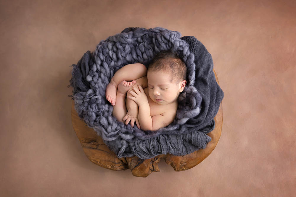 how to style a newborn session?